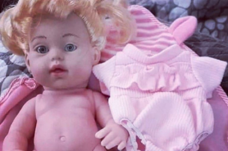 bambola transessuale