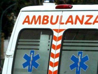 Bimba va in arresto cardiaco, maestre la salvano