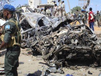 esplosione parlamento somalia