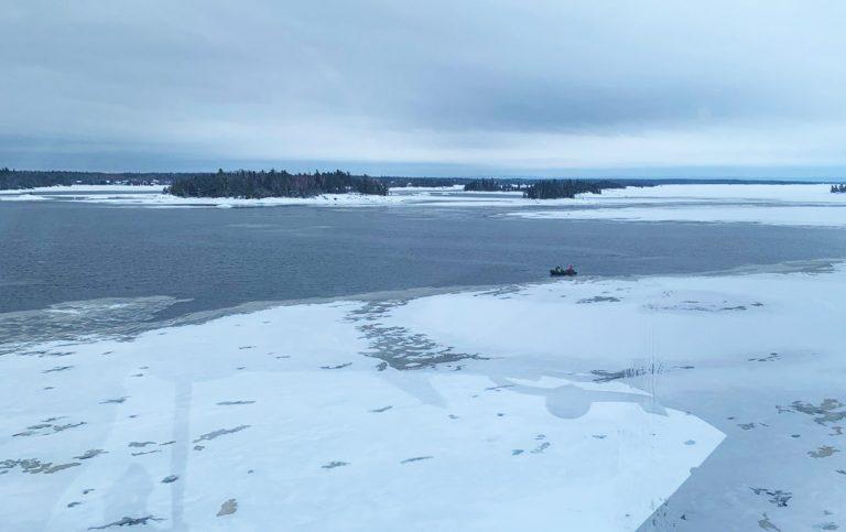 motoslitta-lago-canada