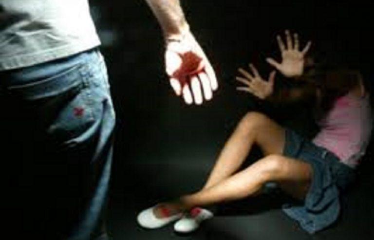 padre violenta figlia