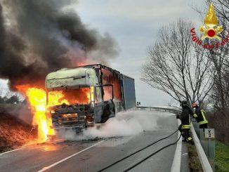 Camion in fiamme jesi