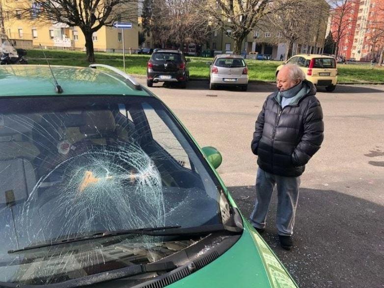salvini bologna citofono macchina distrutta