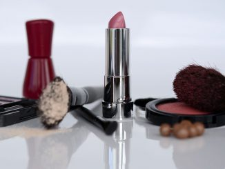settore cosmesi: vendite online in aumento
