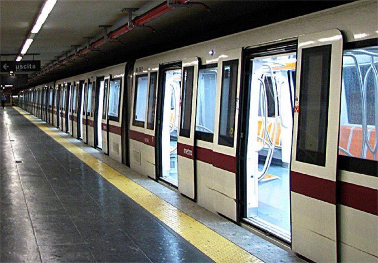 suicidio metro roma