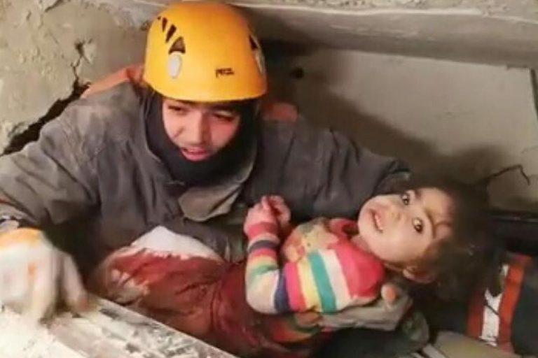 Terremoto turchia estratte vive