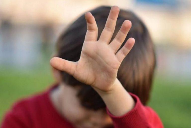 bambino disabile maltrattato a scuola