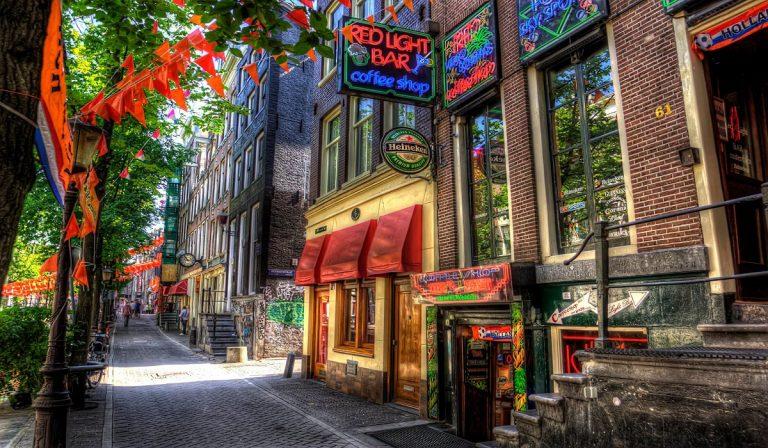 Coffee shop fra le vie di Amsterdam