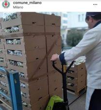 Coronavirus, il comune di Milano dona il cibo al Banco Alime