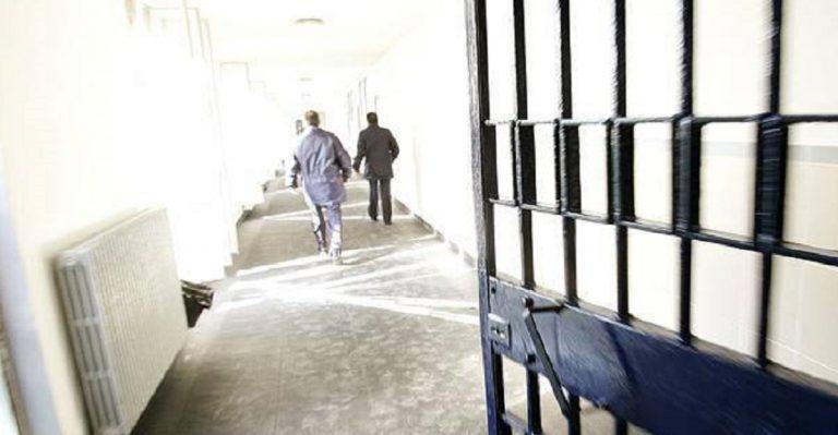 Coronavirus, dopo le evasioni nelle carceri si pensa a soluzioni