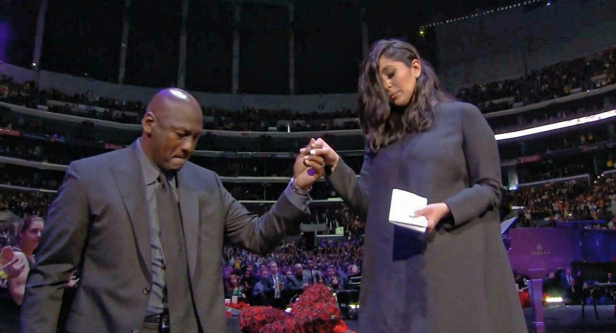 """Kobe Bryant Memorial, il discorso di Michael Jordan: """"Ho per"""