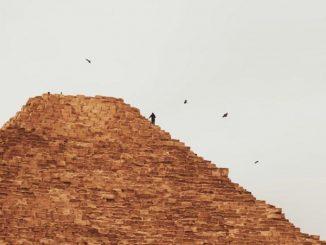 youtuber piramide giza