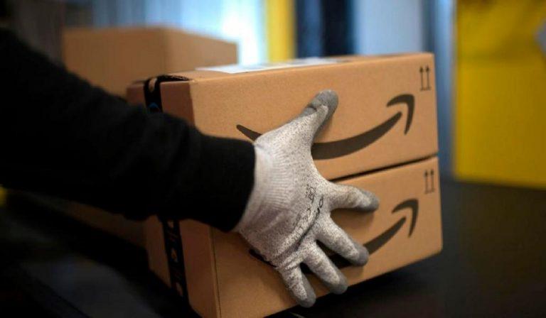 Coronavirus, Amazon spedisce prima alcuni ordini