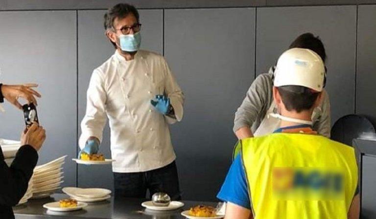 Coronavirus, Cracco cucina per gli operai