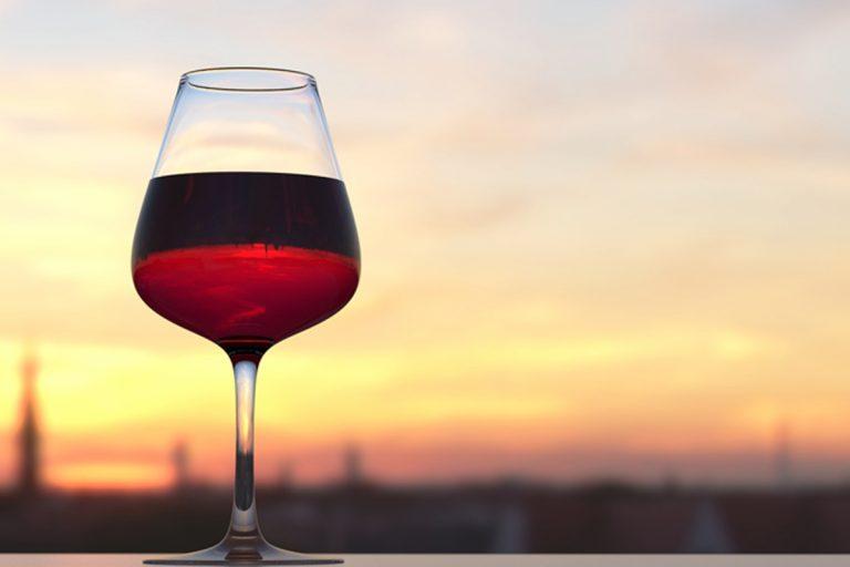coronavirus bere spesso vino difendersi