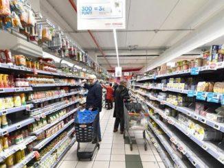 coronavirus positivo fa la spesa al supermercato