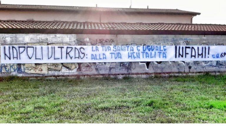 Coronavirus striscione contro Napoli a Milano