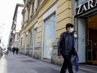Coronavirus, Zara in Spagna converte la produzione in mascherine e camici