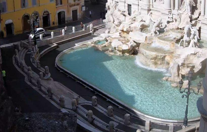 Fontana di Trevi chiusa
