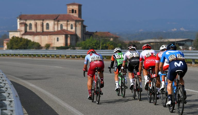 Giro d'Italia sospeso per il Coronavirus