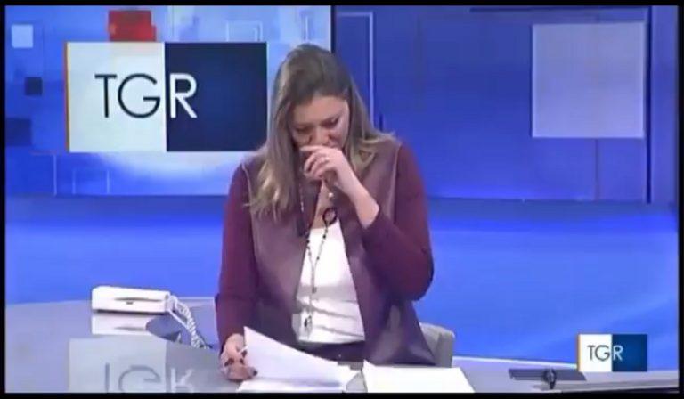 Giornalista piange in diretta per la morte del bimbo Diego