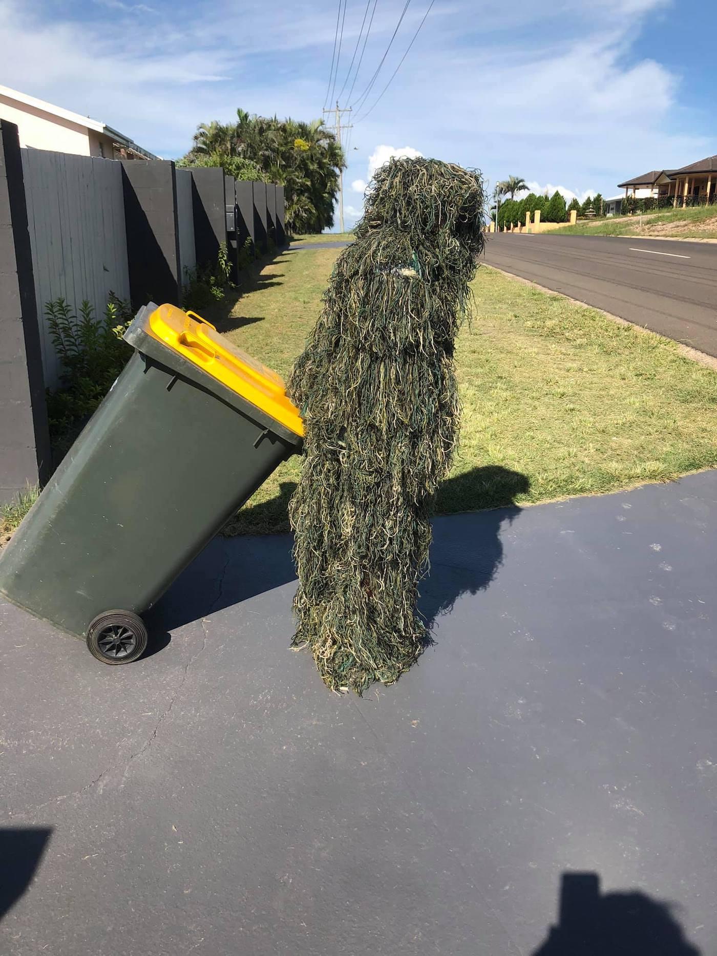 confinement australie sortie poubelles carnaval 10