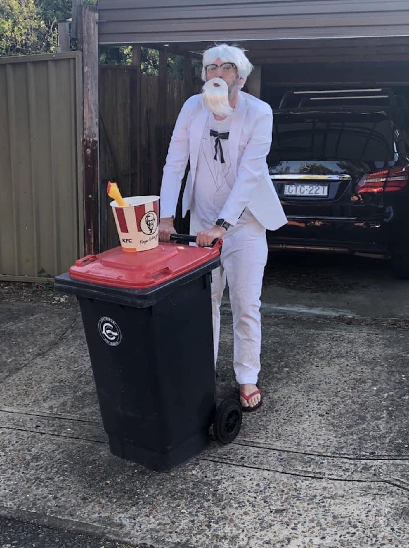 confinement australie sortie poubelles carnaval 16