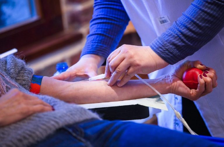 """Coronavirus, De Donno: """"Il plasma è un farmaco più potente del vaccino"""""""