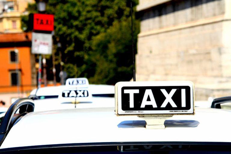 coronavirus denuncia escort taxi
