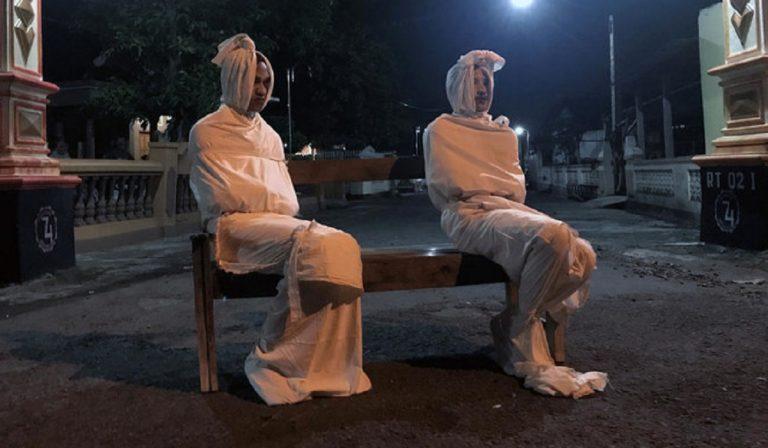 Coronavirus, Indonesia: contro le uscite ci sono i fantasmi