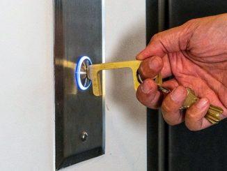 Coronavirus, arriva Hygiene Hand, strumento per evitare il contatto con le superfici contaminate