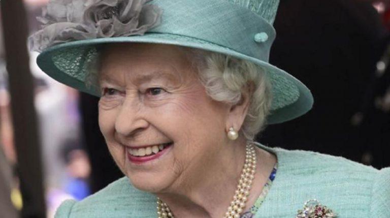 coronavirus regina Elisabetta