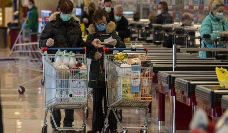 Coronavirus, supermercati chiusi a Pasqua