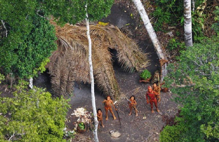 coronavirus tribù amazzonia