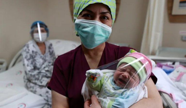 coronavirus-turchia-neonata