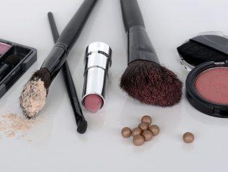 Farmacia Italia: aumentano le vendite di cosmetici online