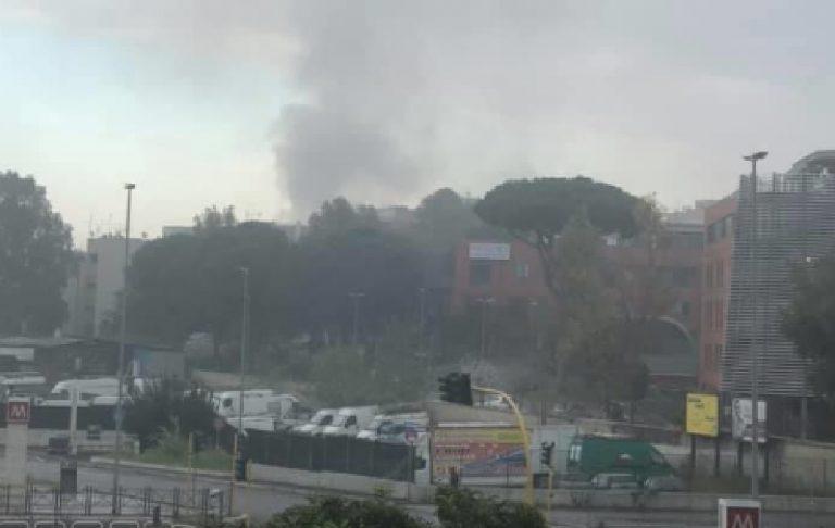 Incendio Roma centro d'accoglienza