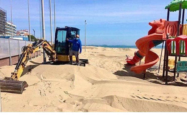 Lignano sabbiadoro lavori spiaggia