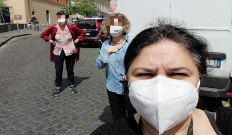 Coronavirus, scrittrice rischia multa con le amiche
