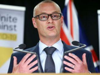 Ministro neozelandese viola lockdown