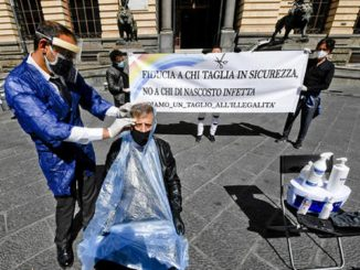 napoli barbieri piazza