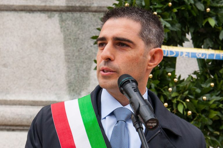 pizzarotti 25 aprile fascismo salvini