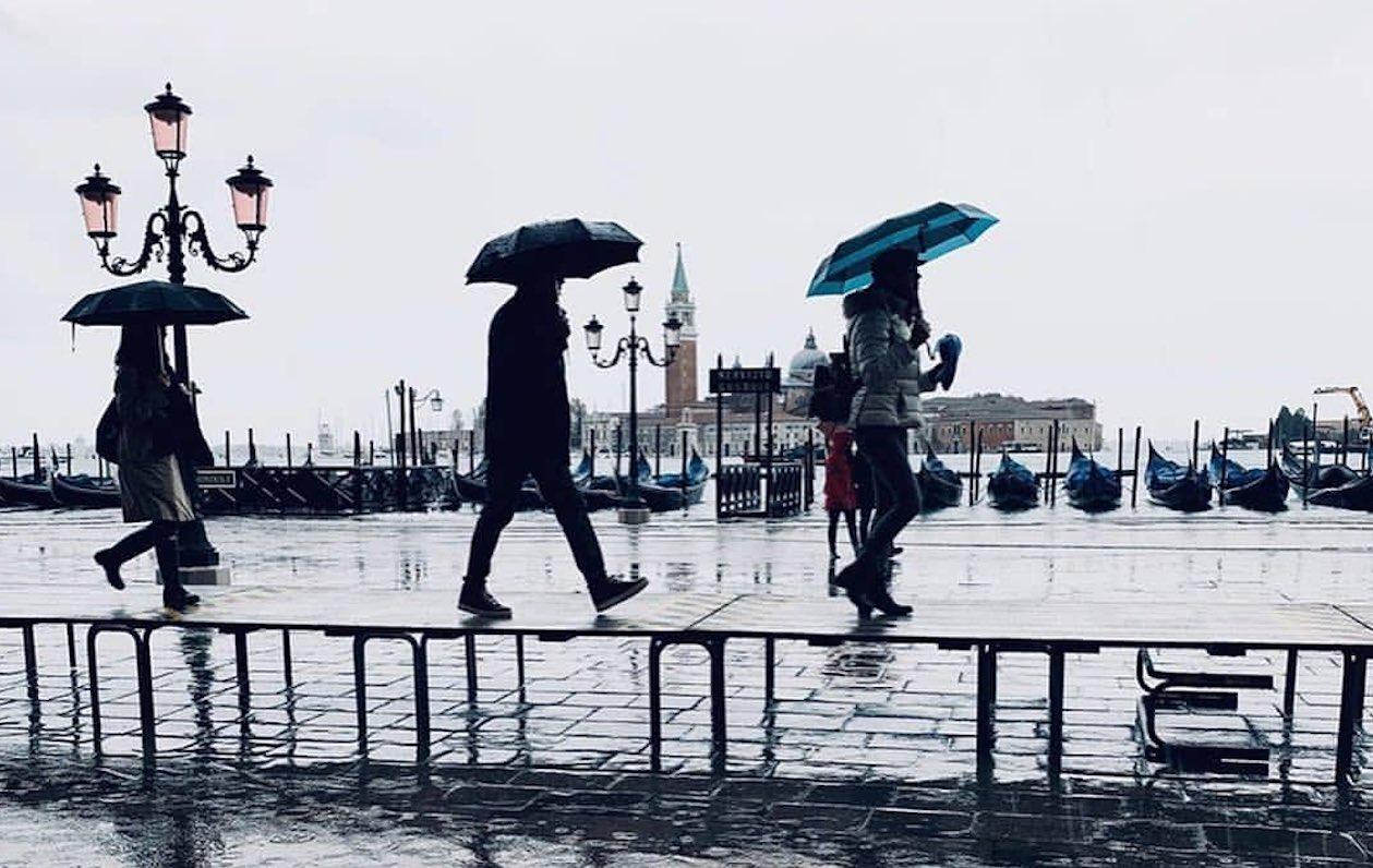 Che Tempo Fa A Casoria da metà aprile piogge e freddo, le previsioni meteo   notizie.it