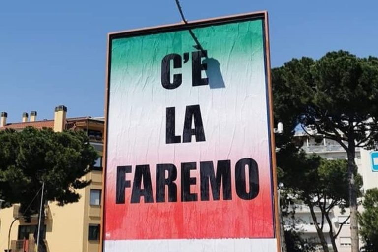 """""""C'è la faremo"""", a San Benedetto del Tronto il cartellone è sgrammaticato, ma l'errore è voluto"""