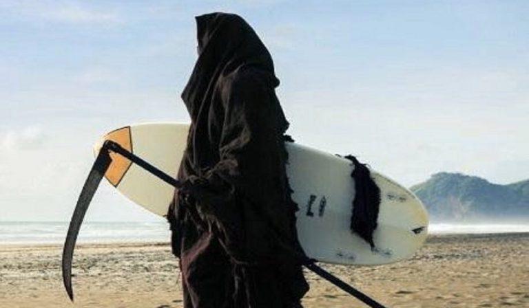 Coronavirus, in Florida un avvocato andrà in spiaggia vestito da morte