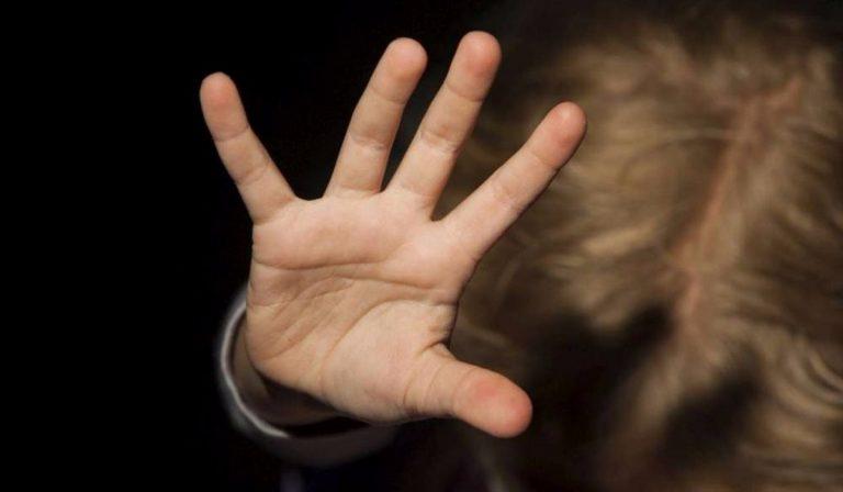 Coronavirus, violenza sui minori: troppi casi in quarantena