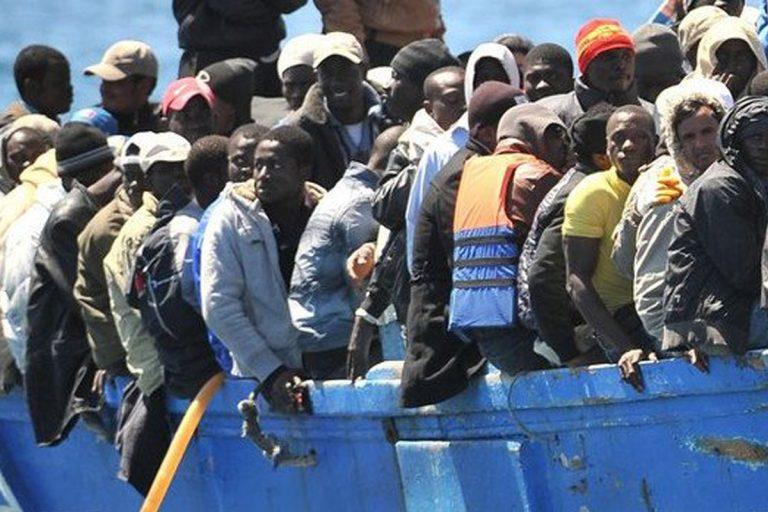 Agrigento sbarchi migranti spiaggia