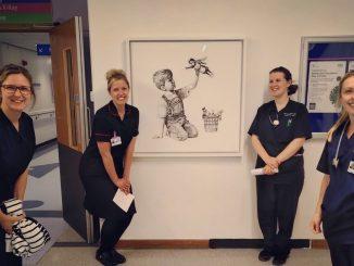L'omaggio di Banksy alle infermiere, le nuove supereroine