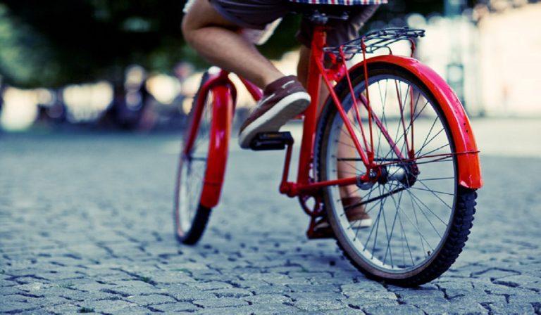 Coronavirus, la mascherina in bicicletta serve?