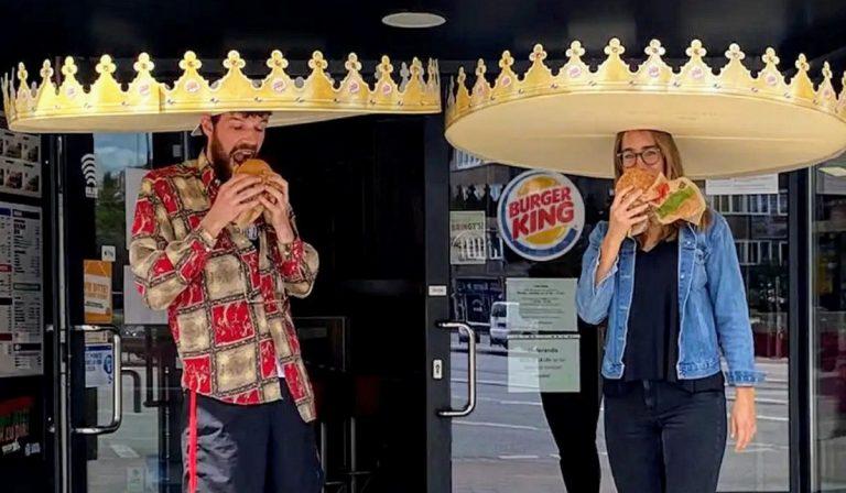 Burger King: corone giganti per rispettare le distanze